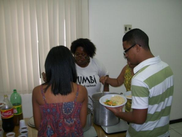 A malunga Filó arrasou na produção do almoço